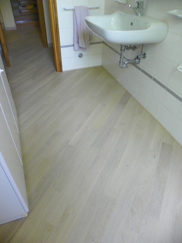 Pavimenti in vinile effetto legno pavimento gres effetto - Piastrelle autoadesive ...