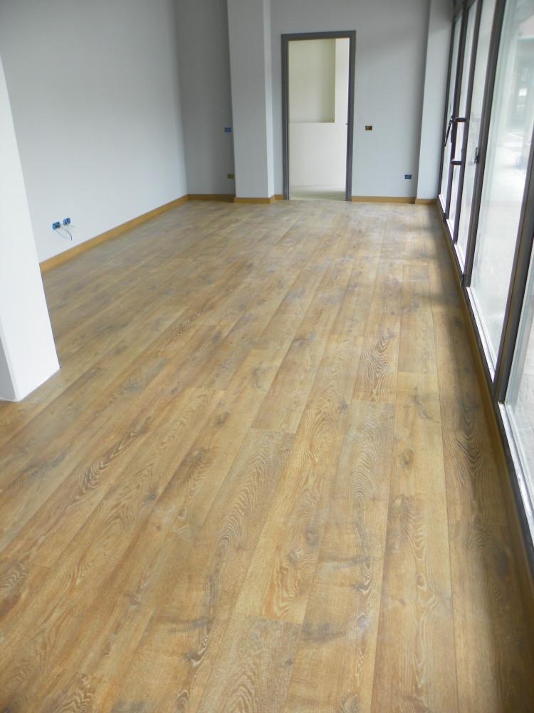 Pavimenti in legno laminato zanfi pavimenti - Prodotti per pulire le fughe dei pavimenti ...